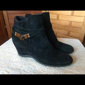 Aquatalia black suede booties 8.5